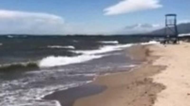 Песок, волны и озеро Иссык-Куль. Видео местного жителя
