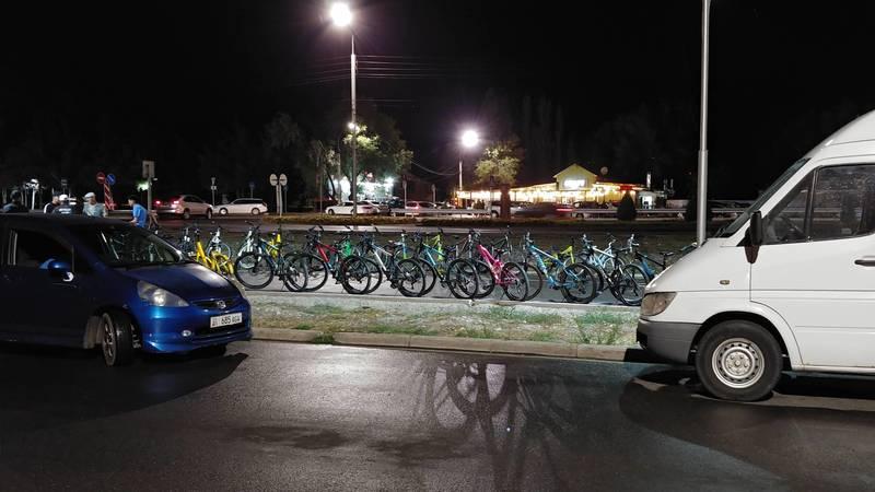 В 10 мкр продолжает работать прокат велосипедов, несмотря на запрет мэрии