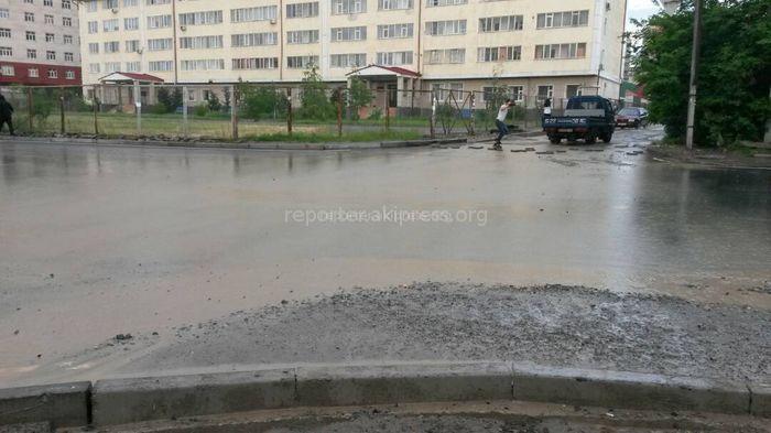 Обустройство ирригационной системы и тротуаров в Бишкеке на улице Ахунбаева не входит в проект, - мэрия