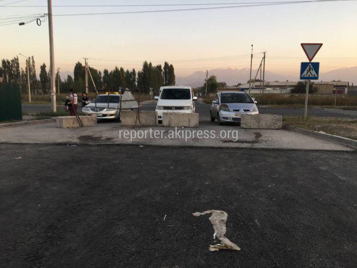 Подрядчик не завершил обустройство тротуара на улице Месароша, - мэрия Бишкека