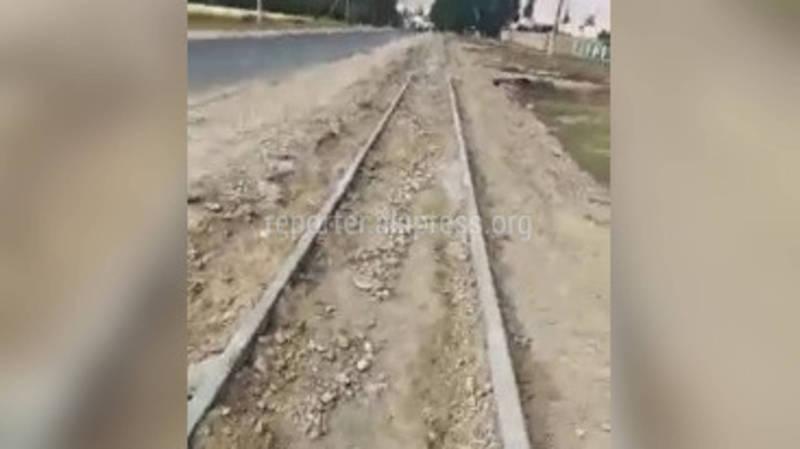 Житель Кочкора жалуется на качество строящейся дороги