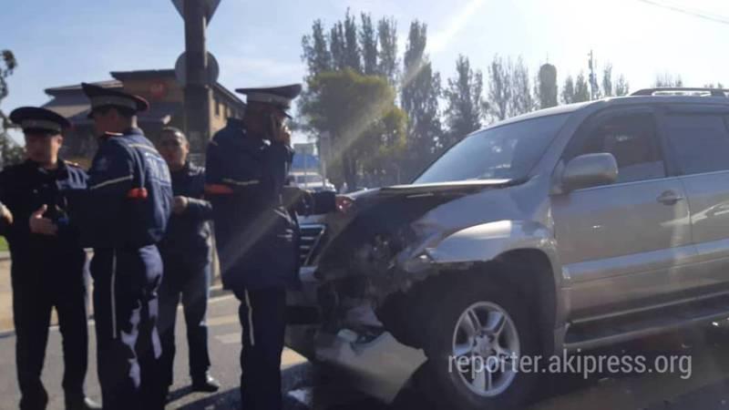 На 7 апреля произошло ДТП с участием «Лексуса» и «Мерседеса» (фото)
