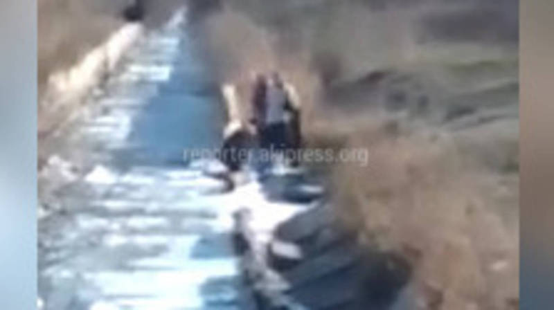 Ысык-Көлдөгү Тогузбай айылында суу жок, - окурман (видео)