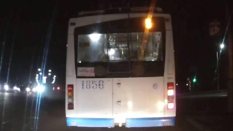 В Бишкеке водителю троллейбуса №5 за нарушение ПДД объявлен выговор и лишён премии, - мэрия