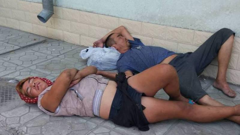 На Бейшеналиевой-Токтогула возле аптеки спят пьяные бездомные люди (фото)