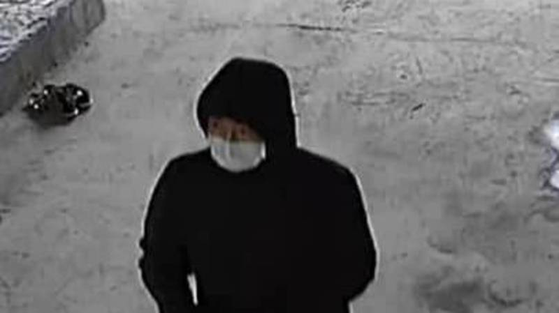 В жилмассиве Колмо вор залез в дом, украл деньги и золотые изделия (видео)