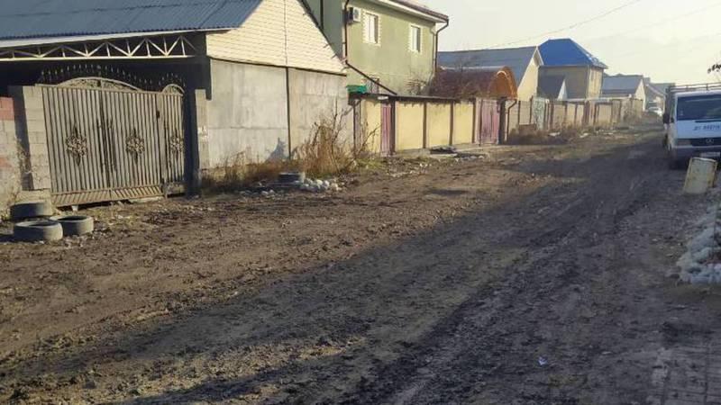 Фото — В жилмассиве Рухий-Мурас дороги в плачевном состоянии