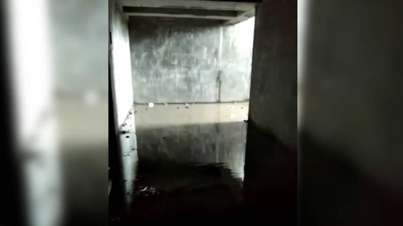 В селе Садовое Московского района затопило подземный переход, который был построен недавно. Видео