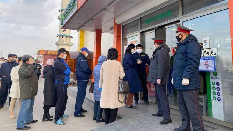 Октябрьское РУВД ответило на жалобы читателя, что в гипермаркете «Глобус» очереди