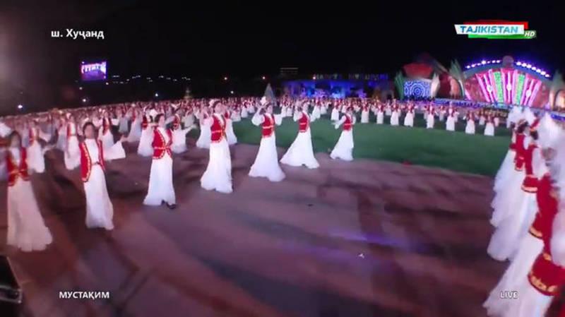Видео — Масштабный «Кыргыз бий» на праздновании Навруза в Таджикистане