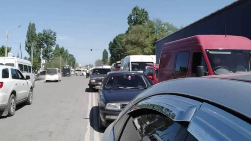 На въезде в Бишкек образовалась пробка, - очевидец. Фото