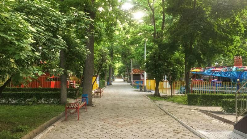 Безлюдный парк имени Панфилова во время карантина. Видео, фото