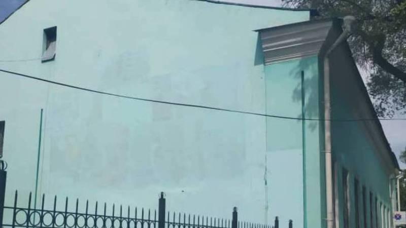 Граффити на стене музыкального училища имени Куренкеева закрашено. Фото