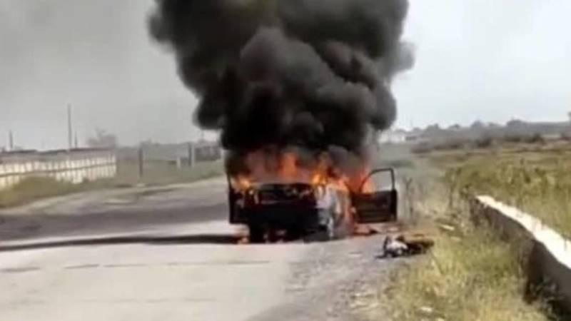 В Кара-Балте полностью сгорела машина. Видео