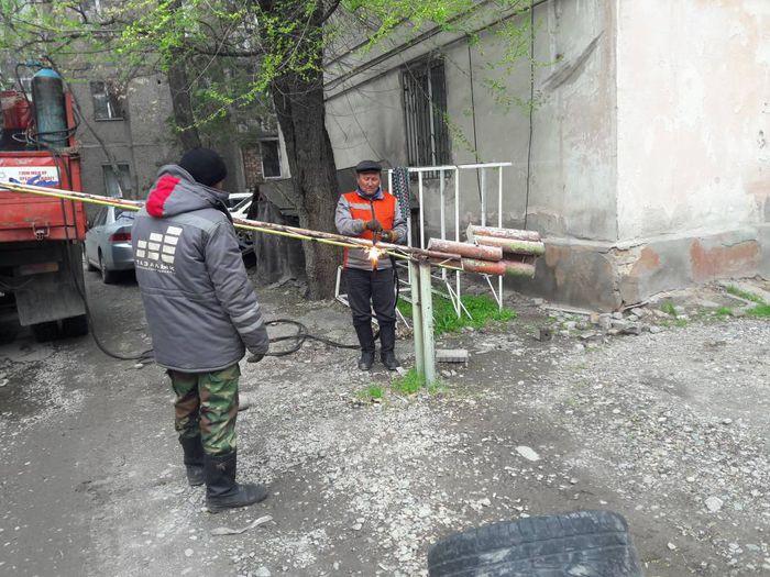 Незаконное ограждение на ул.Московской демонтировано, - мэрия Бишкека (фото)