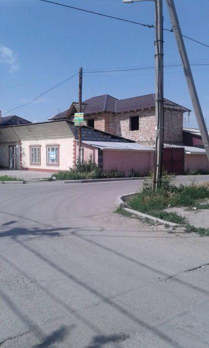 Житель столицы просит установить светофор и дорожные знаки на Лущихина-Крылова (фото)