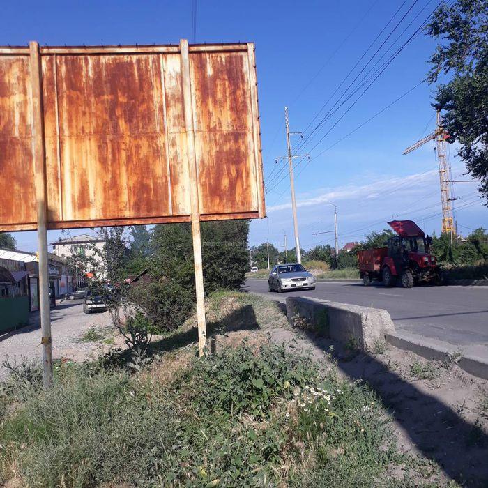 «Бишкекасфальтсервис»: Обустройство тротуара вдоль центральной улицы в Ак-Орго не предусмотрено