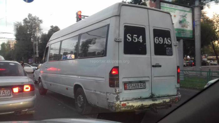 Выделявшая черный дым маршрутка отстранена от работы до устранения неполадок, - мэрия Бишкека