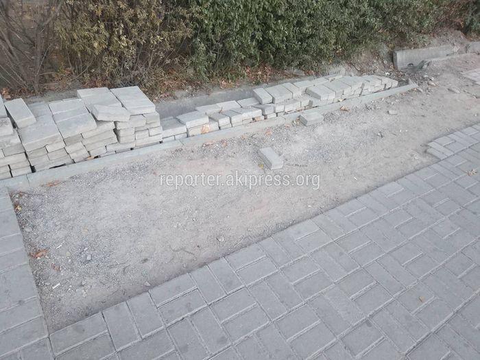 Тротуар на ул.Тыныстанова, где проводился аварийный ремонт электрокабеля, будет восстановлен до 12 октября, - «Северэлектро»