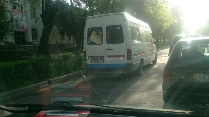 Осторожно, общественный транспорт! Нарушения ПДД водителями маршруток <i>(видео)</i>