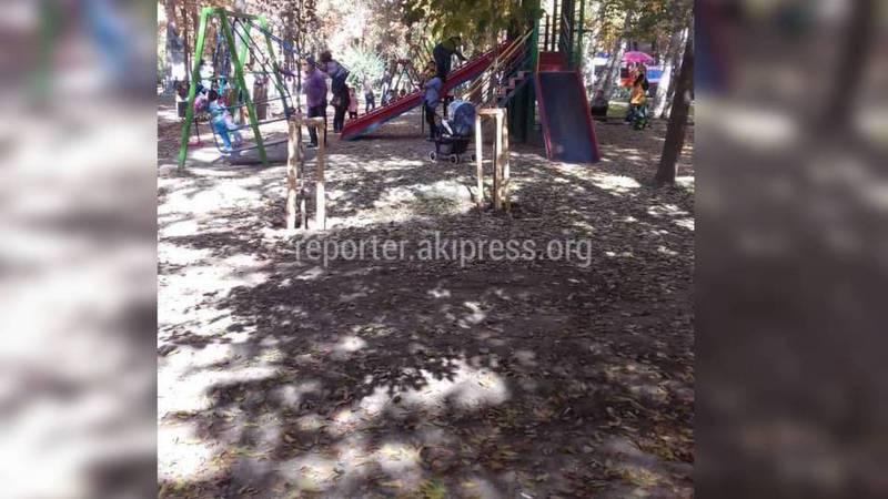 Житель: Посадят ли на участке Эркиндик-Чокморова деревья, где раньше устанавливали батуты?
