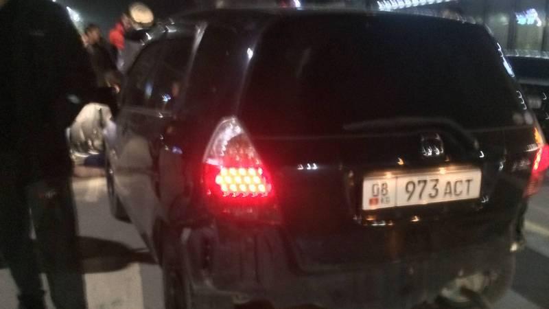 В Бишкеке на Токтогула-Калыка Акиева водитель «Хонды» сбил пешехода (фото)