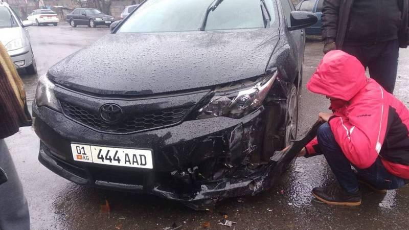 Видео – В Беловодском произошло ДТП с участием трех машин