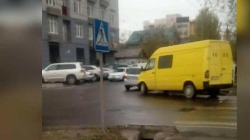 Опасный перекресток! На Уметалиева-Рыскулова уже третье с начала недели ДТП