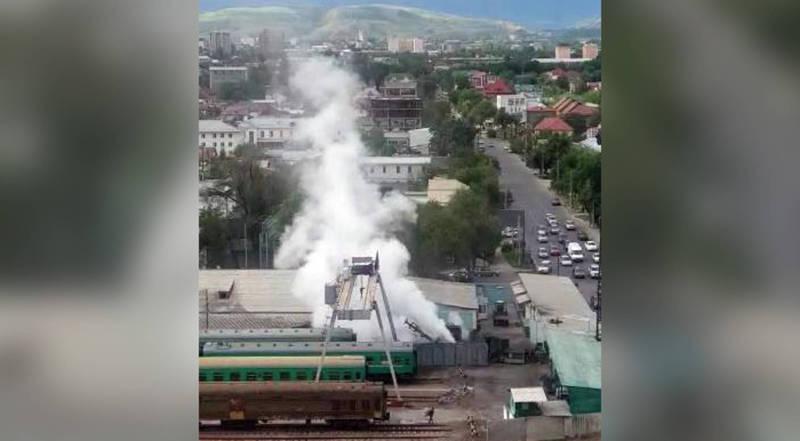 Видео — Первые минуты после взрыва у железной дороги