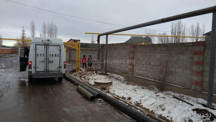 Арка ограничения для машин в жилмассиве Киргизия-1 будет демонтирована, - мэрия Бишкека