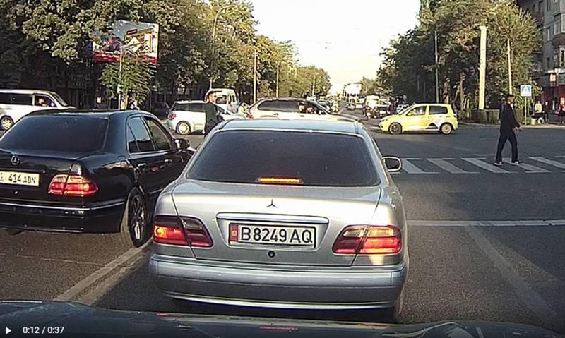 На Чуй - Суюмбаева водитель «Мерседеса» с госномером 01KG 414 ADN нарушил 4 правила дорожного движения (видео)