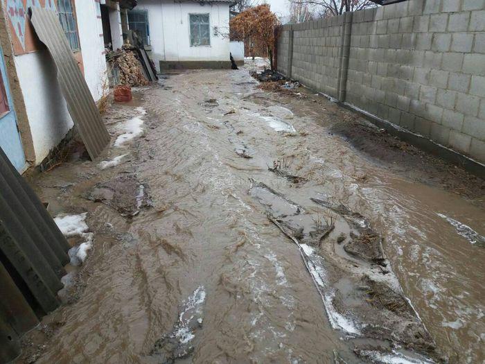 Дождь спровоцировал сход селевых потоков в селе Таш-Добо <b><i>(фото)</i></b>