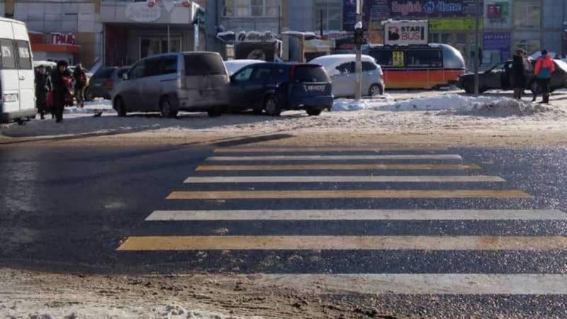 Горожанин снова просит проконтролировать незаконную парковку на ул.Нуркамал