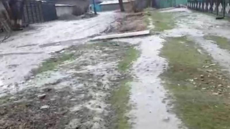 Мусор возле школы «Келечек» в селе Беловодское убран,- Московская райадминистрация