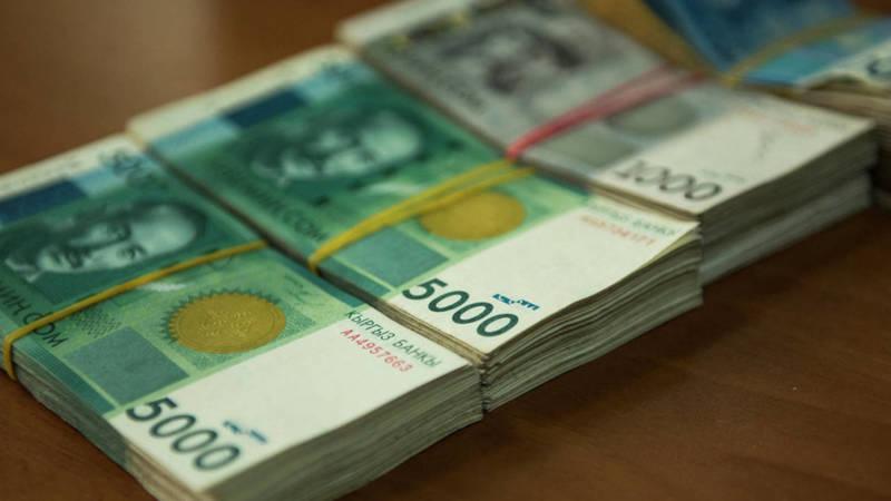 Микрокредитные компании требуют заплатить проценты за время карантина, - горожанка Нурайым