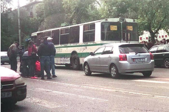 В Бишкеке таксист сбил мальчика на «зебре» <i>(фото)</i>