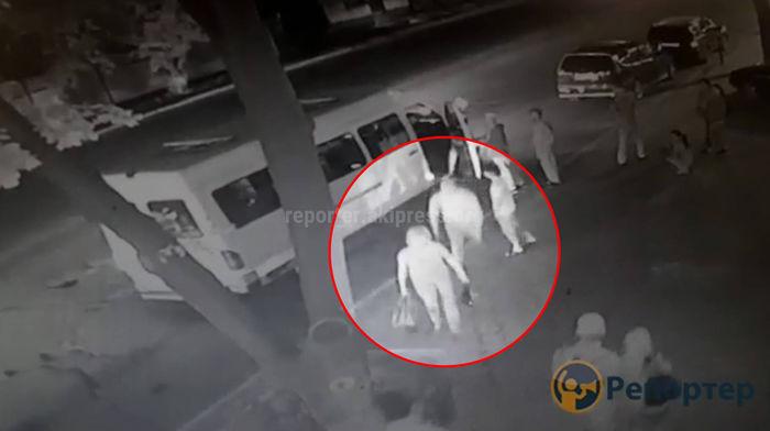 Избивший женщину водитель маршрутки №243 снят с линии. Теперь им занимается милиция