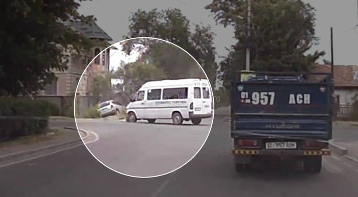 Видео – Очередное ДТП с участием маршрутки