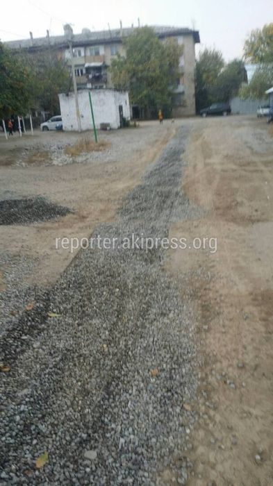 На ул.Матросова в Жалал-Абаде нет воды из-за работ по замене труб - житель