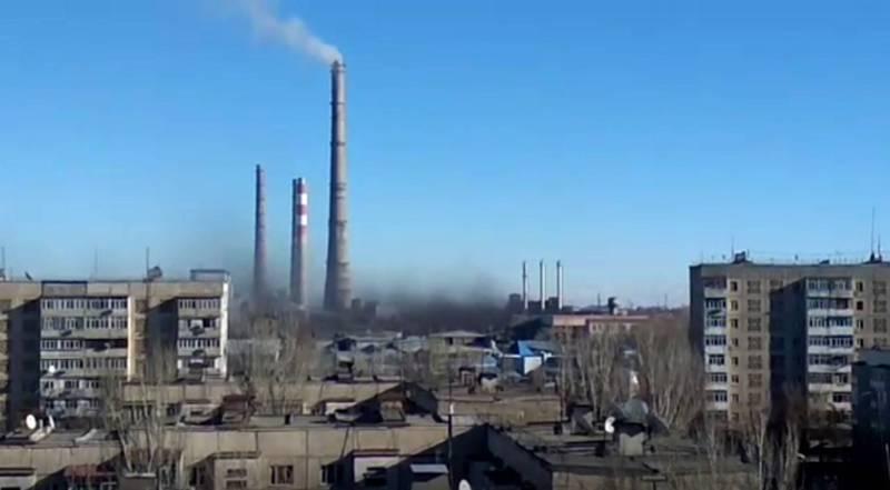 В районе ТЭЦ Бишкека поднялся черный клуб дыма