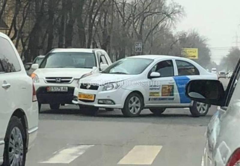 Видео – В Бишкеке на Медерова-Элебаева произошло ДТП