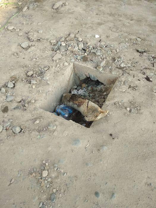В мкр Аламедин-1 арыки завалены щебенкой и гравием, - бишкекчанин (фото)