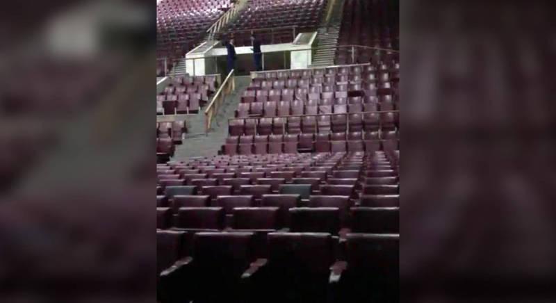 Музыкант Басты в шоке от концертного зала в Бишкеке