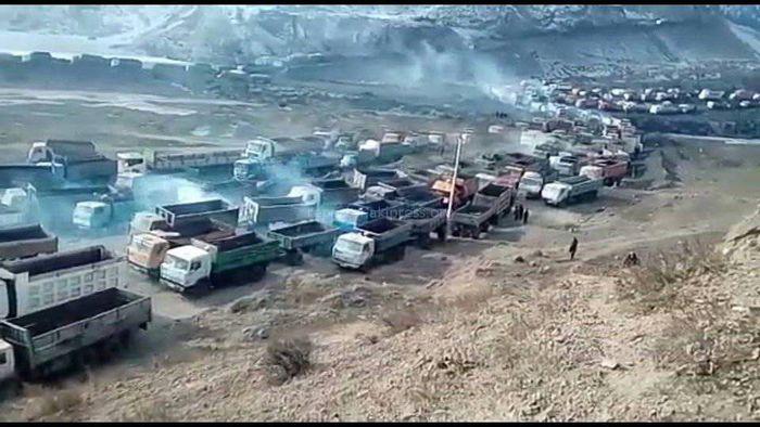 На Кара-Кече образовалась очередь из около 600 грузовиков <i>(видео)</i>