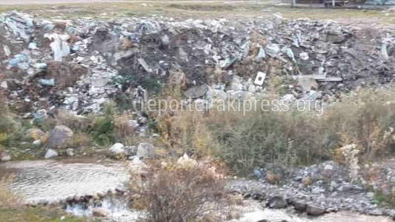 На берегу реки Кашка-Суу производится санитарная очистка и вывоз мусора, - Аламединская райадминистрация