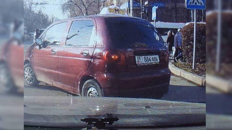 В Бишкеке водитель «Дэу Матиз» нарушил сразу несколько ПДД, за ним числятся 5 штрафов на 9 тыс. сомов (видео)