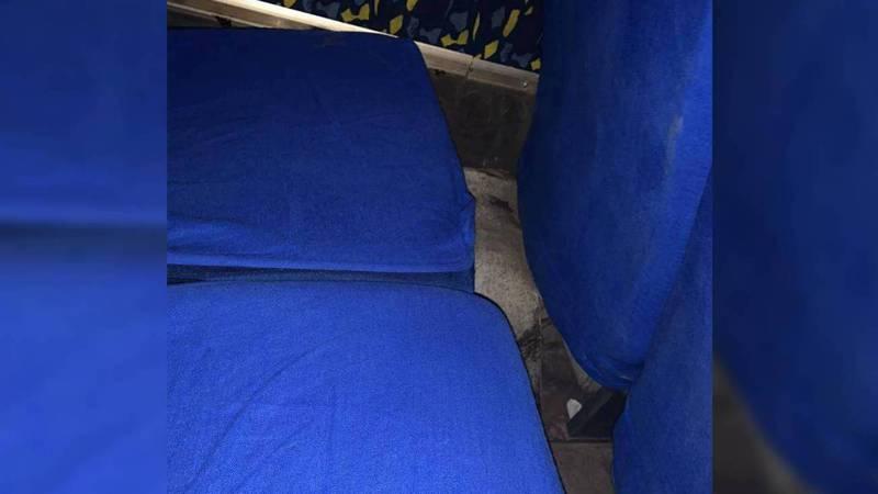 Пассажиры жалуются на неудобные сидения в маршрутках №334 (фото)