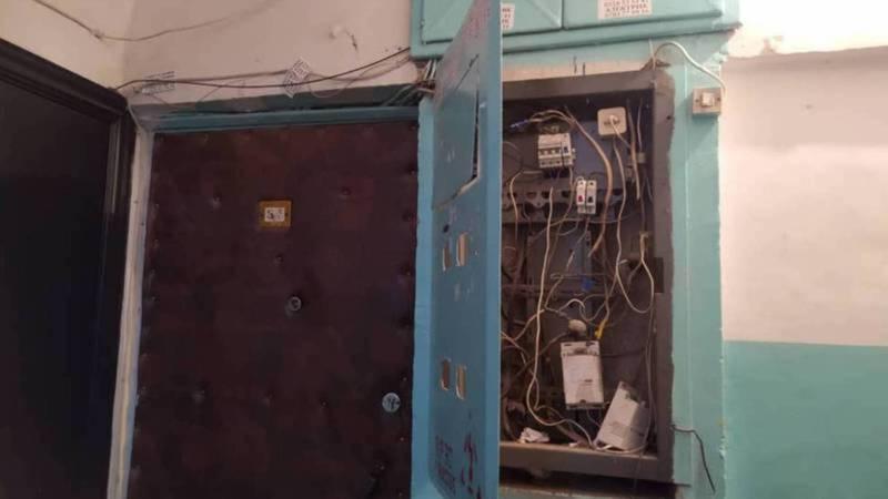 Распределительный электрический щит в №66 доме в 4 мкр закрыт, - Северэлектро