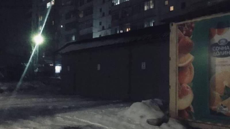 Законно ли установлены металлические гаражи возле дома №62 в 12 мкр?