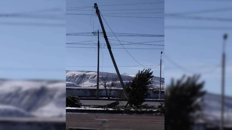 Аварийный столб на ул.Токомбаева будет отремонтирован завтра